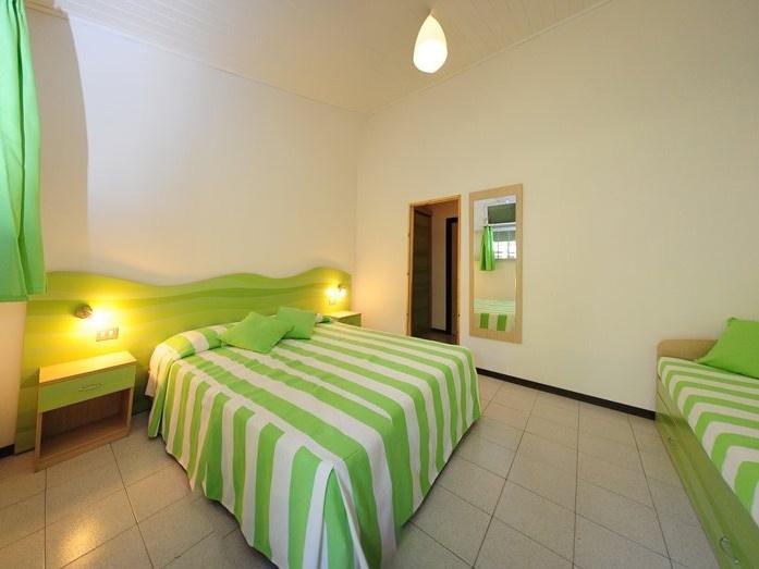Club village hotel spiaggia romea lido delle nazioni for Disegni da camera da spiaggia