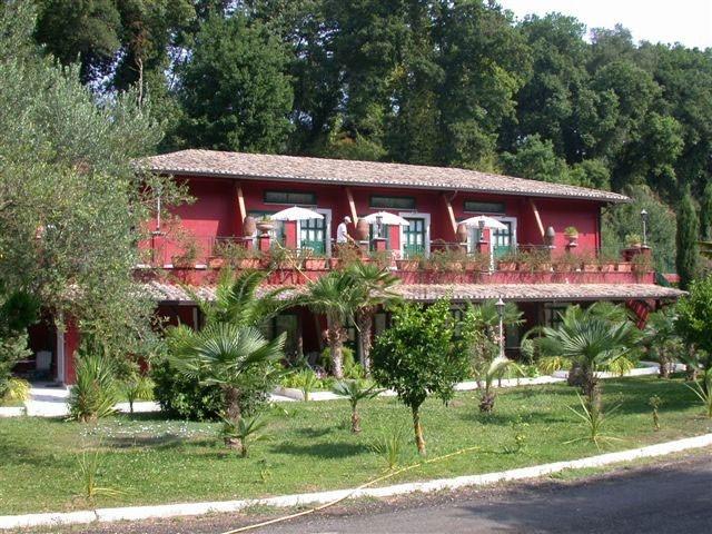 Seven hills village roma roma - Seven hills village roma piscina ...