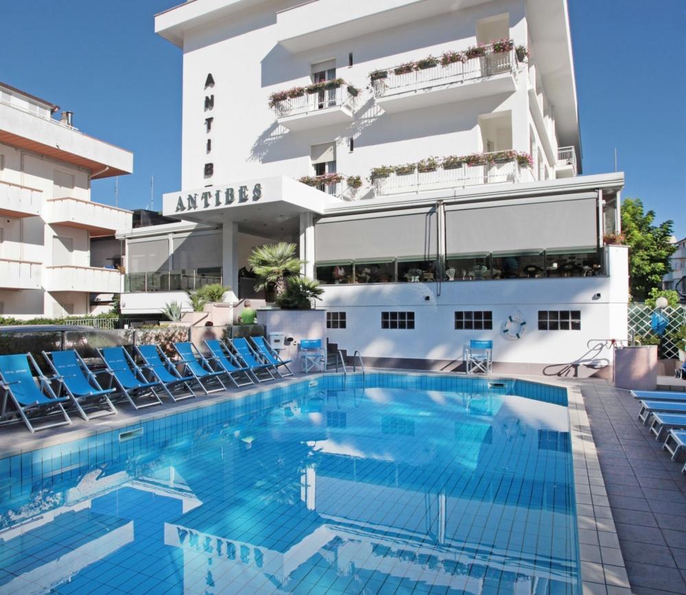 Family hotel antibes riccione 3 stelle - Hotel merano 4 stelle con piscina ...
