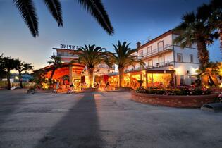 Offerta Settembre monolocale in villaggio sulla Riviera delle Palme