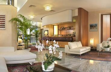 Hotel Polo - Hall